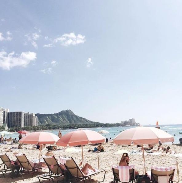Hawaii pink sand